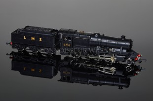 Wrenn LMS WARTIME BLACK 8233 Class 8F 2-8-0 Freight Locomotive W2225A