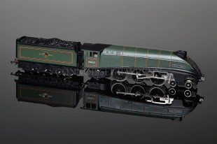 "Wrenn ""MALLARD 60022"" BR Green, A4 Pacific 4-6-2 Locomotive W2211"