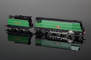 "Wrenn ""Canadian Pacific"" SR Green 21C5 4-6-2 Streamlined Bulleid Pacific W2290"