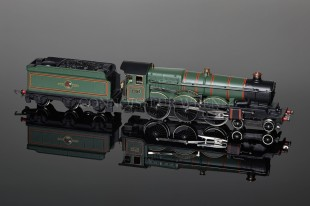 "Wrenn PERIOD 4 Castle Class ""Cardiff Castle"" BR Green Livery W2221"
