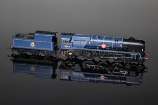 "Hornby Model Railways BR Merchant Navy Class ""Canadian Pacific"" Locomotive R2171"