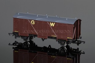 Wrenn GW Brown 10T Fruit Van 27614 Rolling Stock W5049
