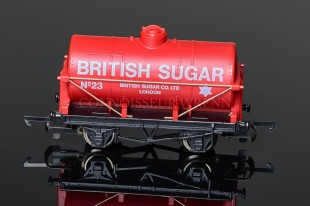 "Wrenn Four Wheled Tank Wagon ""British Sugar"" Rolling Stock W5501"