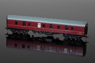 Bachmann Railways BR MK1 FULL BRAKE BG maroon (E 80798) 39-176
