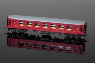 "Wrenn P4 LMS 2nd Class Red ""PULLMAN"" Passenger Coach W6010"