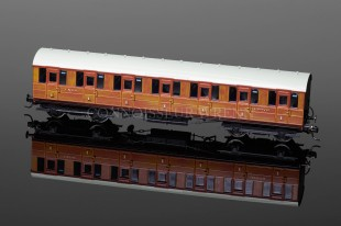 Hornby Model Railways LNER Gresley Suburban 1st Class Coach (32078) R4515