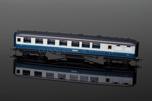 Hornby Railways BR (Ex-LNER) Gresley Buffet Car E 9131 E model R4468