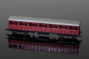Hornby Railways Gresley Suburban 1st Class  E81035E Coach model R4648