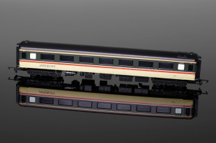 Hornby Railways BR MK2D Open Standard Coach 5638 Model R4463B