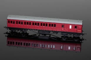 Hornby Model Railways BR (Ex-LMS) Non Corridor 3rd Brake Coach model R4678