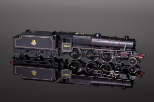 Hornby BR Black Early Crest 4-6-0 Class 5MT no. 44668 model R2322