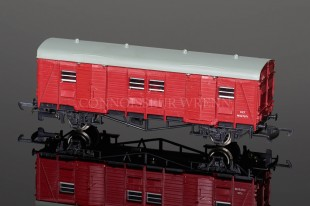 Wrenn LMS Red (BR) Utility Van M527071 Period Four Model W5085
