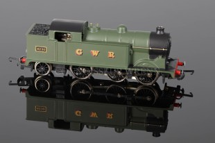 Wrenn G W Green Livery N2 Tank 0-6-2t running number 8230 Locomotive W2280