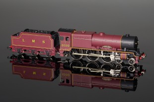 "Wrenn ""5 POLE"" Royal Scot Class 6P 4-6-0 LMS Maroon Loco W2260"