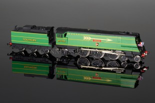 "Wrenn ""EXETER"" 4-6-2 SR Green 1988 Streamlined Bulleid Pacific  W2276/5P"