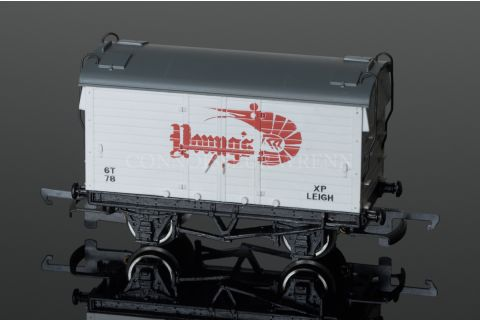 """Wrenn Mica B Van """"YOUNGS """" Refrigerated Rolling Stock W5052"""