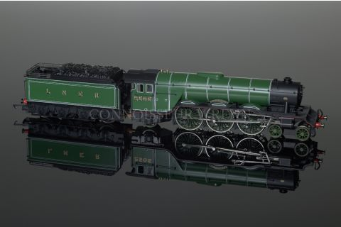 """Hornby """"Cameronian"""" A3 4-6-2 Pacific Class LNER Green Locomotive model R2103"""
